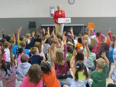 First Lady Sandra Deal Leads Story Time